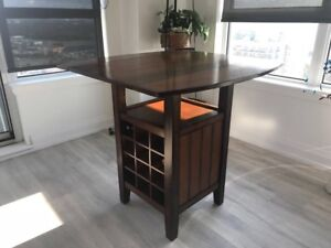 Dining bar table with wine/alcohol shelf