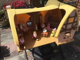 Snow White and seven dwarfs house and accessories