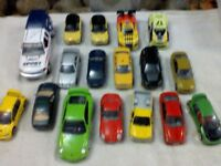MIXED JOB LOT OF 17 'REALTOY ' DIE CAST TOY CARS- DIFFERENT AGES AND TYPES