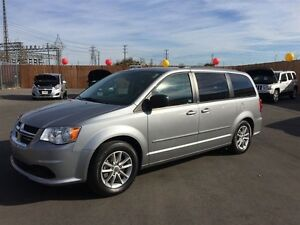 2014 DODGE GRAND CARAVAN SXT- DUAL SLIDING DOORS, REAR WINDOW GR