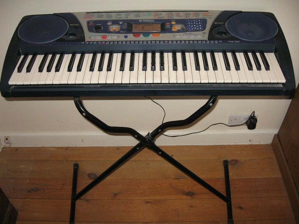 YAMAHA PSR 262 Portable electronic keyboard piano organ