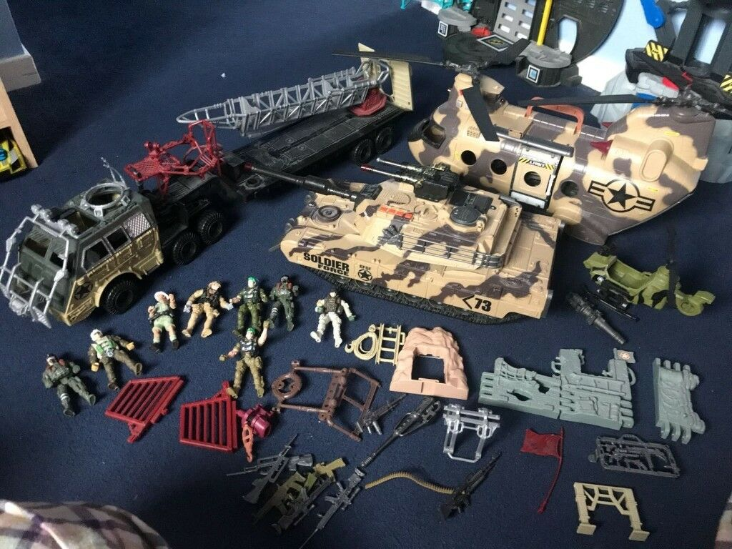 huge army bundle excellent condition