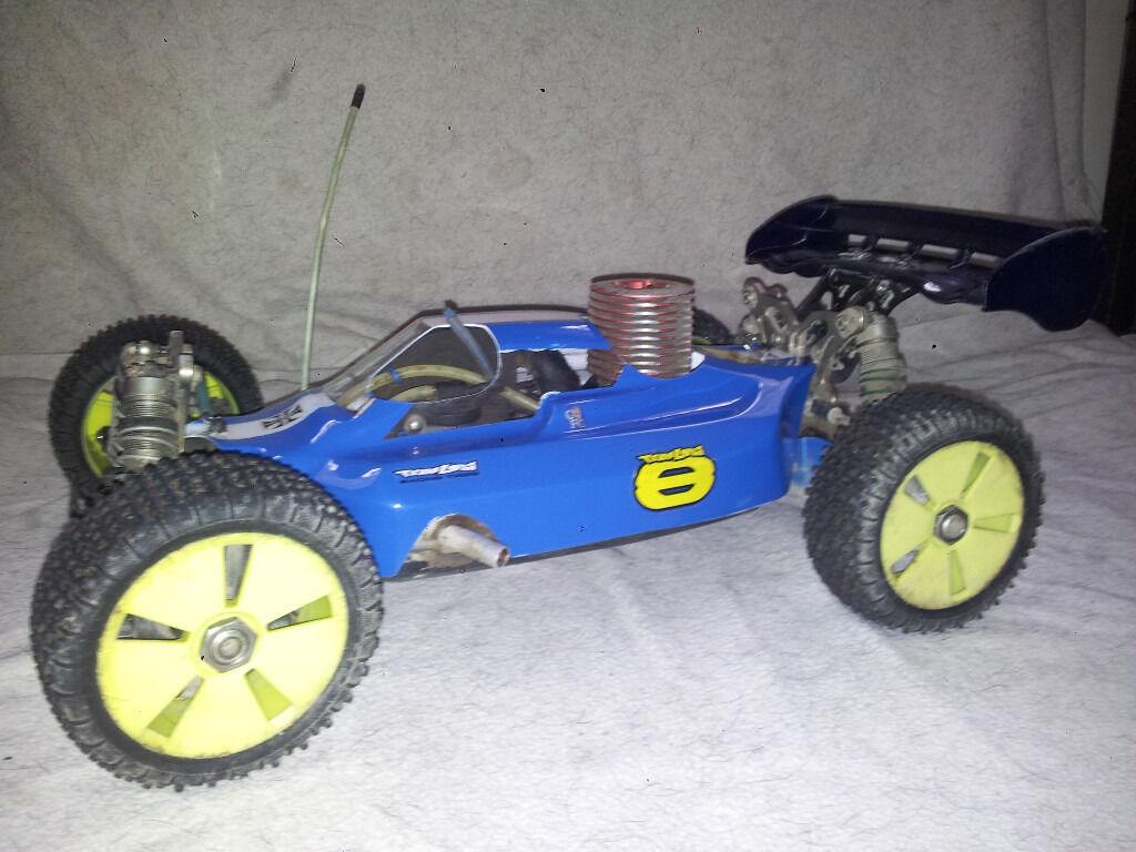 Losi 8 buggy nitro with 2 body shells