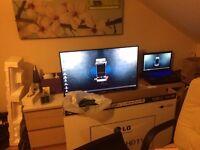 "LG 42UB820V - 42"" LED Smart TV - 4K UltraHD - 6 months used only"