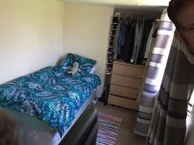 Single Room Available in South Ealing / Gunnersbury Park. Bills included