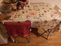 Perfect condition table with 4 chairs