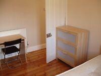 large double room to rent Old Kent Road,2 bathrooms,cleaner;close to tower bridge london bridge etc