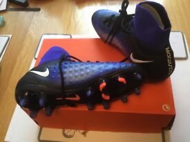 BRAND NEW NIKE FOOTBALL SOCK BOOTS