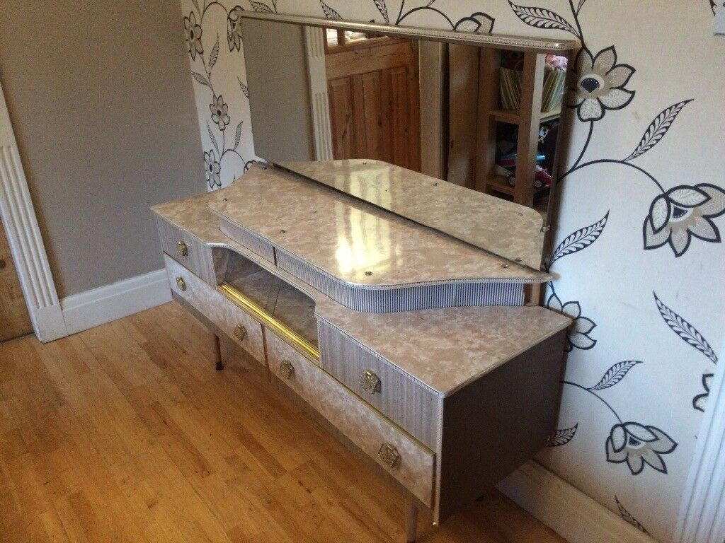 LOVELY 196O'S GREY MARBLE EFFECT DRESSING TABLE WITH MIRROR