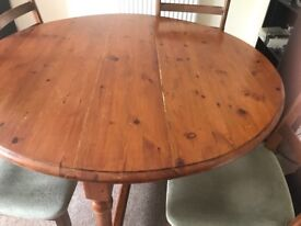 Round table for £ 20