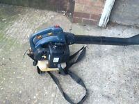 Petrol leaf blower 2 stroke engine starts and ticks over in very good condition good working order