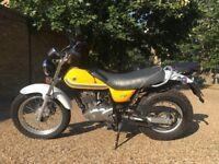 Suzuki RV125 VANVAN 125cc in Yellow