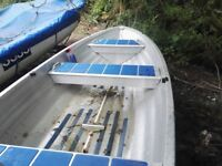 Linder 410 fisherman aluminium fishing boat. Good used condition with 2 wooden oars