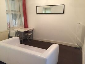 **PRIVATE LET**Perfect 4 Bed House by Plaistow station