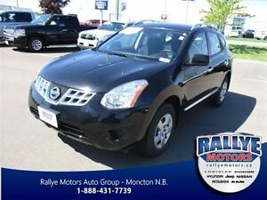 2013 Nissan Rogue S! ONLY 30 KM! Trade-In! Save!