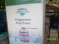 Fruit Press manual .