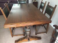Old Charm Extending Dining Table With 6 Leather Chairs