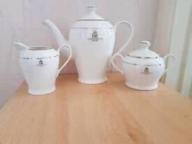 Set of 3 of the queens jubilee tea pot set
