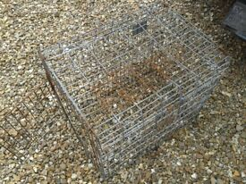 2FT WIDE FOLDABLE PET CAGE CONTAINER BOX IN ROUGH BUT WORKING CONDITION