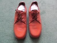 MITRE Men's Bowls shoes. Brown. UK Size 9. Endorsed by Will Woods. Hardly Worn.