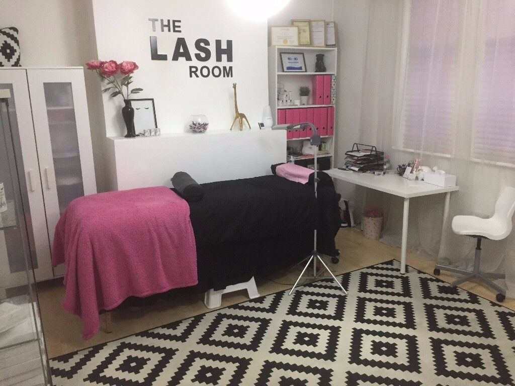 Large beauty room for rent in Burton on Trent Town Centre - rare opportunity!
