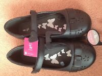 Girls shoes size 2 rrp £17