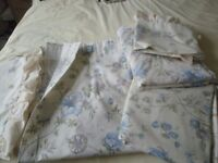 Brentfords - 2 x single Q/C's, P?C's & matching curtains