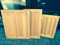 Selection of quality solid oak kitchen cupboard doors and drawers including 19 doors and 12 drawers