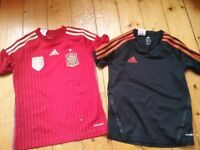 Boys clothing age 8-9 years incl. brand new white school shirts, football tops, hardly worn trainers