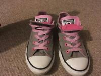 Size 1 double tongue converse hardly worn excellent condition