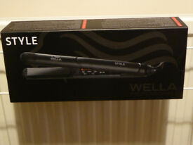 Wella Professional Hair Style Iron - Do it all - Straight, Waves, Curls, Flicks.