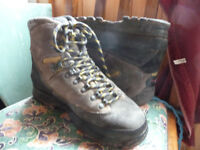 Meindl walking hiking boots