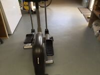 AXOS KETTLER ELLIPTICAL CROSS TRAINER WITH INSTRUCTION MANUALS VERY GOOD CONDITION