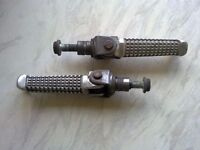gsxr srad 600 750, riders footrests and mounts- bolts