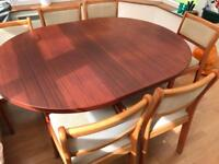 Extendable dining table - no chairs