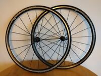 Mavic aksium 700cc wheel tyre system with 23mm tyres