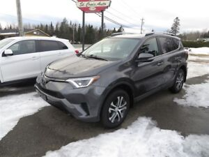 2017 Toyota RAV4 LE AWD, HEATED SEATS, LANE ASSIST!
