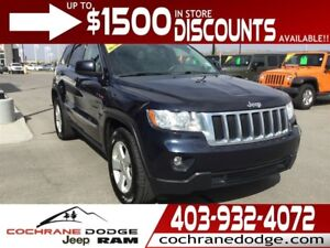 2011 Jeep Grand Cherokee Laredo X w/LEATHER AND BACK-UP CAMERA!