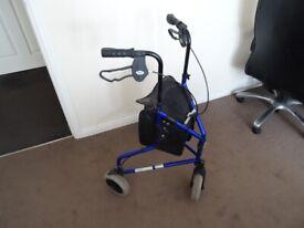 Braked mobility walker