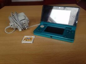 3DS WITH CHARGER AND SUPER MARIO BROS 2 (BLUE)