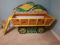 Childs 'Wagon' style bed with ladder