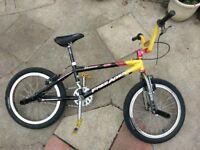 BMX bike custom build - Aluminium frame - Left hand crank - 48 spoke wheels