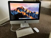 """iMac """"Core i5"""" 2.5 21.5 - Inch with extras, In Fantastic Condition!"""