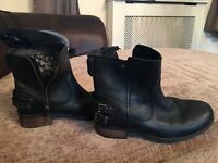 Ladies UUG BOOTS FOR SALE Size 6.5 (6 1/2)