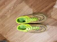 Nike vapour size 9