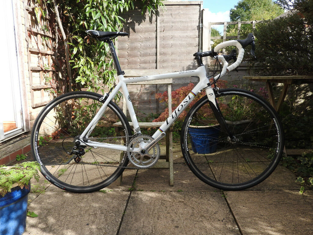 Tifosi carbon road bike - £2,000 new