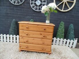 SOLID PINE CHEST OF DRAWERS SOLID UNIT AND IT'S IN VERY GOOD CONDITION 83/37/77 cm £45