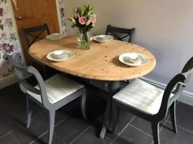 SHABBY CHIC TABLE EXTENDS 4 CHAIRS