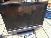 "Grundig 19"" lcd tv free view hdmi dvd usb card reader"