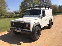 Land Rover Defender 110 2.5 TD5 County Hard Top 3dr (white) 2005
